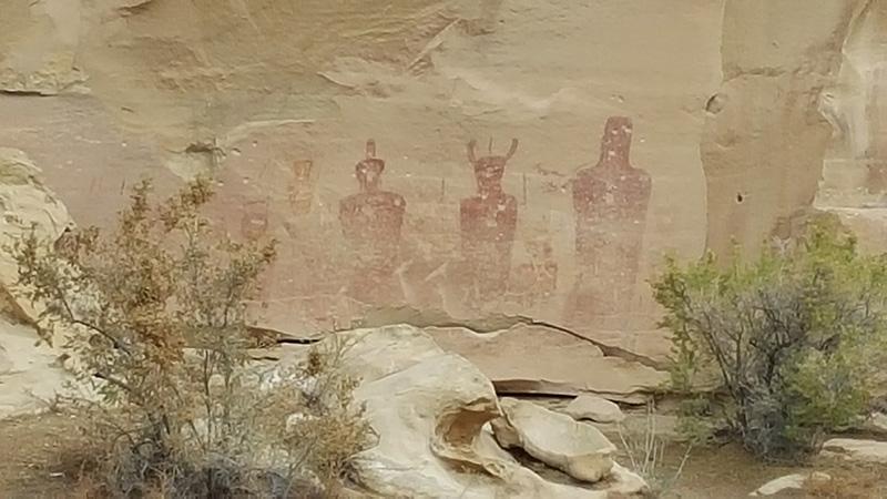 Petroglyphs, Segoe Canyon, UT (aliens?)